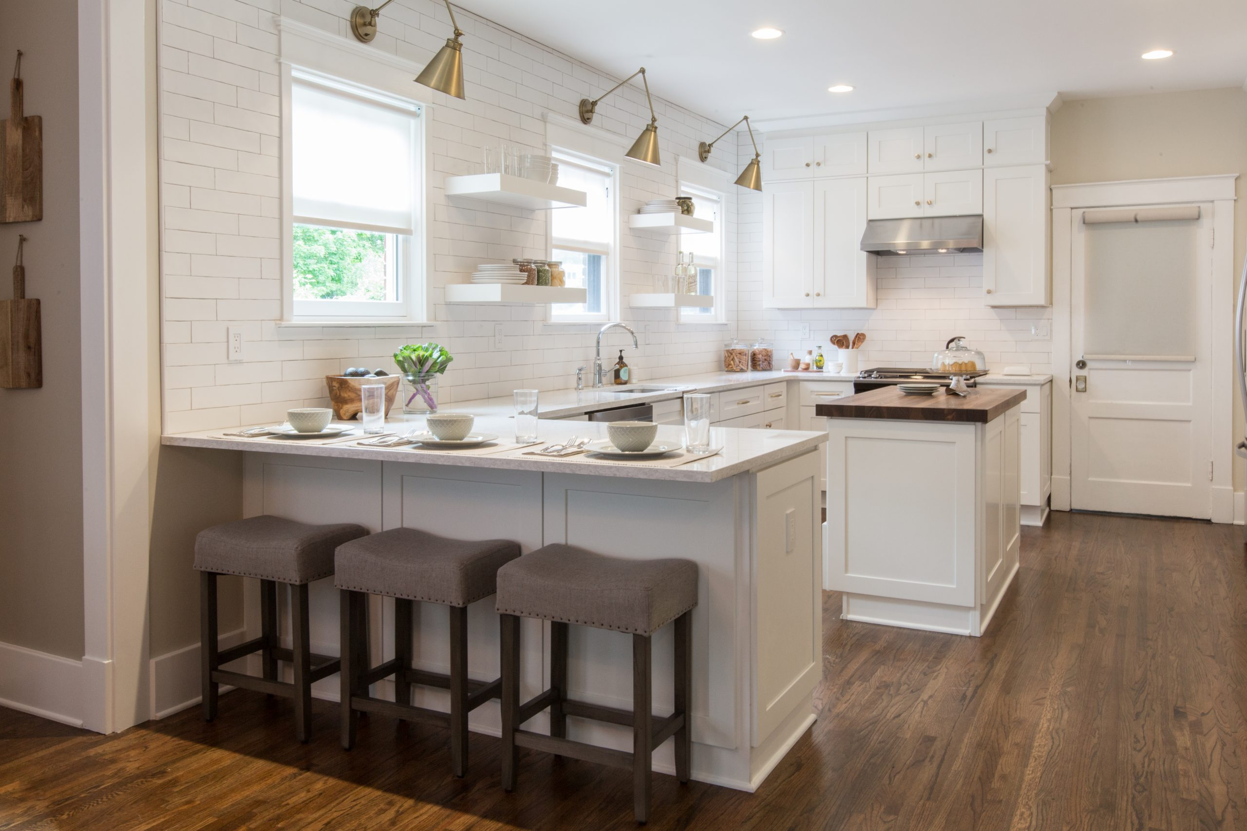 White Shaker Kitchen Cabinetry